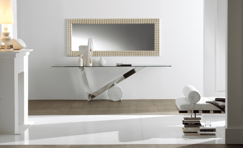 Valentinox console - available in Marbella