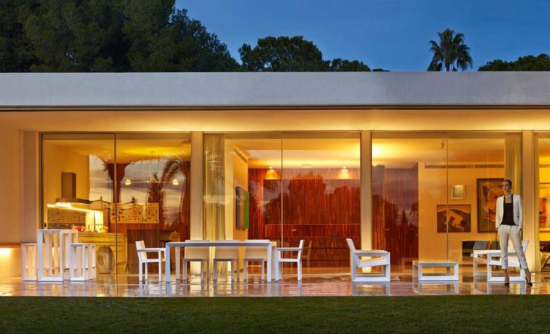 frame_03-modern-outdoor-furniture-marbella-aaa122