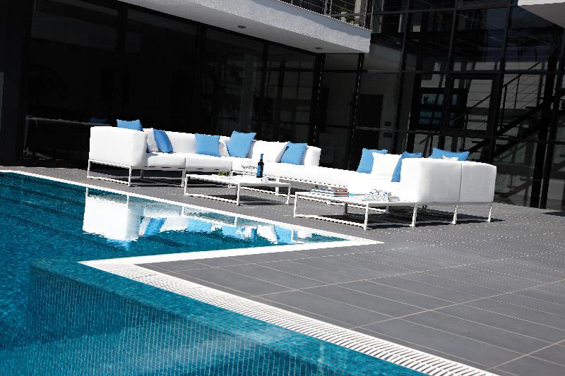 bloc-white-set-4-designer-outdoor-furniture-marbella-aaa128