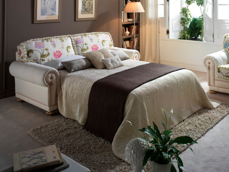 flores-cama-traditional-sofas-marbella_aaa121